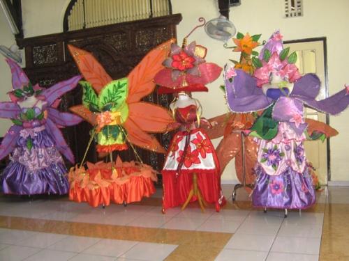 Baju carnival hasil karya mahasiswa Tata Busana AKS Ibu Kartini Semarang